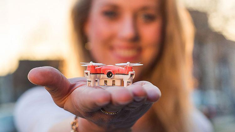 Skeye Ist Federleicht Und Winzig Das Ist Die Kleinste Kamera Drohne