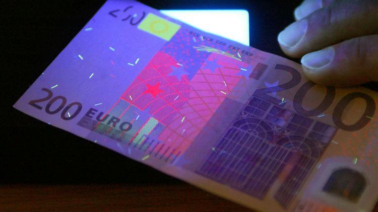 Echt oder nicht? So sieht ein gefälschter 200-Euro-Schein aus.
