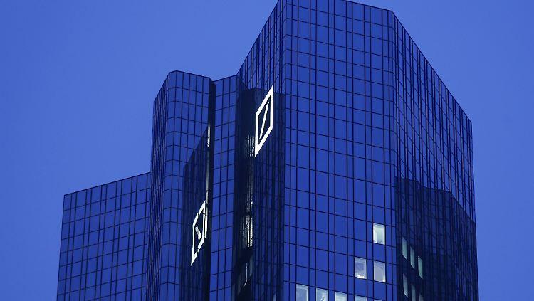 Konzernumbau: Deutsche Bank erwartet Milliardenverlust - Rückzug aus weltweitem Aktiengeschäft