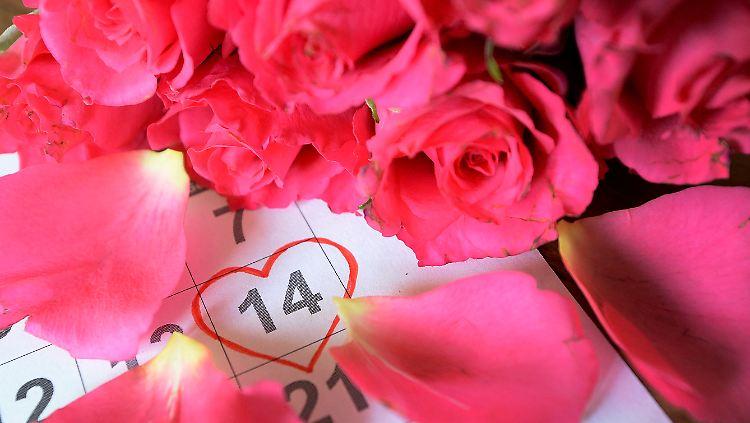 Von Vogeln Und Illegalen Hochzeiten Woher Kommt Der Valentinstag