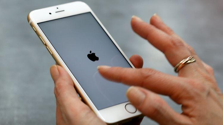 Wer den Zugangscode nicht kennt, hat laut Apple keine Chance, das iPhone zu entsperren.