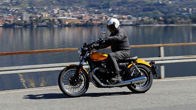 MotoGuzziV9_Roamer_li2.jpg