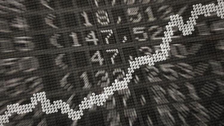 Häufiges Umschichten an der Börse zahlt sich für Anleger langfristig nicht unbedingt aus. Foto: Daniel Reinhardt