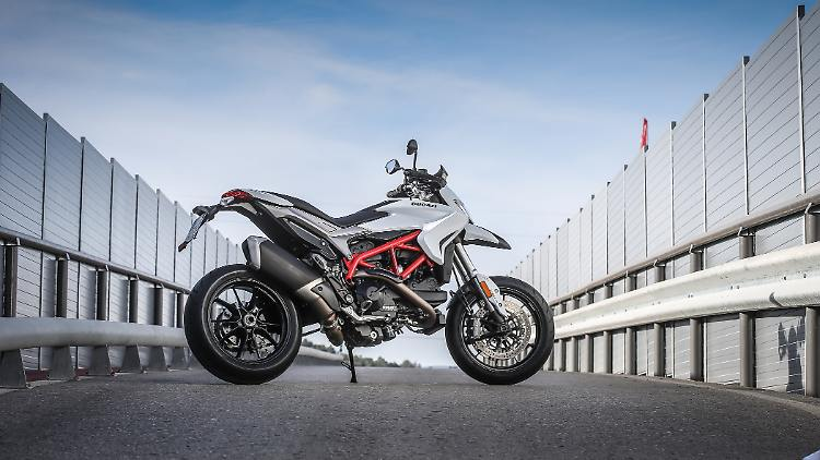 Ducati_Hypermotard_rechts.jpg