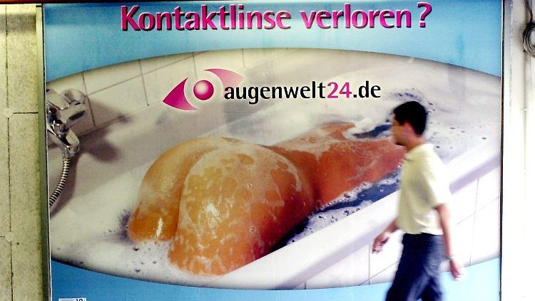 werbung in der wie hier in magdeburg 2002 bewusst mit nacktheit ohne konkreten bezug zum produkt geworben wird gibt es seit jahren