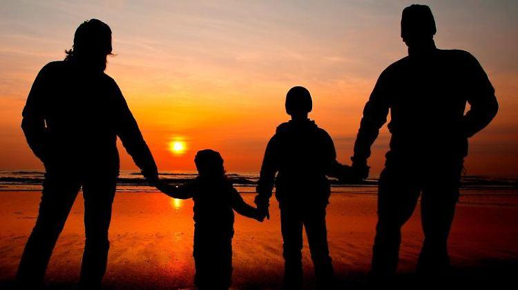 In einer Patchwork-Familie leben Kinder, die von unterschiedlichen Eltern stammen.jpg