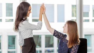 Motivierte Mitarbeiter bringen Top-Leistungen. Damit das gelingt, sollten Teamleiter auf bestimmte Punkte zur Erhaltung der intrinsischen Motivation achten. Foto:Monique Wüstenhagen