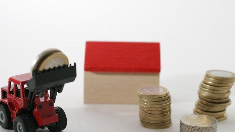 immobilien erben wann wird erbschaftssteuer f llig n. Black Bedroom Furniture Sets. Home Design Ideas
