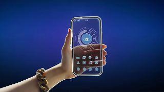 Qualcomm-Smartphone-durchsichtig.JPG