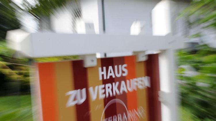 Tenhagens Tipps Wann Beim Hausverkauf Steuern Anfallen N Tv De