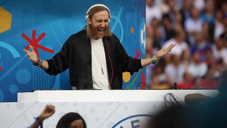 David Guetta Alias Otto Waalkes Fans Spotten über Em