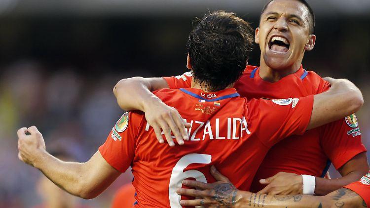 Copa America In Den Usa Chile Stürmt Mit Blitz Und Donner Ins