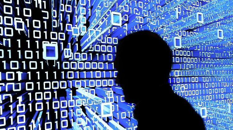 Laut dem Digitalverband Bitkom bringt die Digitalisierung der Arbeitswelt mehr Jobs. Doch an der Weiterbildung mangelt es. Foto: Peter Steffen