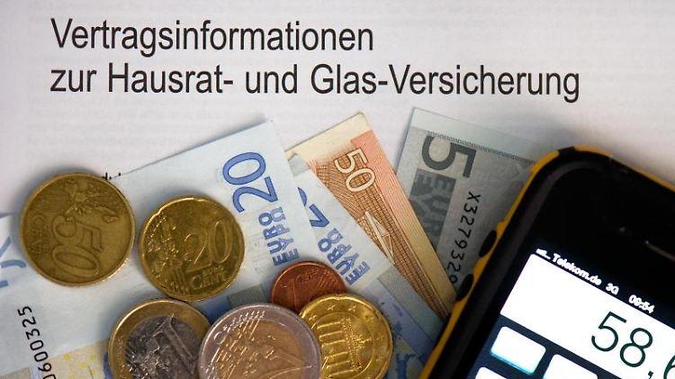 Vermieter können den Abschluss einer Hausratversicherung vom Mieter nicht erzwingen. Foto: Arno Burgi