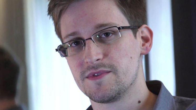 Edward Snowden hatte im Zuge seiner Enthüllungen ab Juni 2013 unter anderem erklärt, US-Geheimdienste könnten auch iPhones präparieren.Foto: Guardian/Glenn Greenwald/Laura Poitras