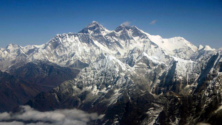 Nepal_Everest_Internet_NY116.jpg3135416804818101239.jpg