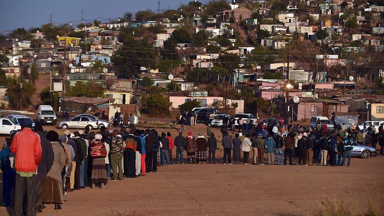 Rekordverdächtige 26 Millionen Südafrikaner haben sich zur Stimmabgabe registrieren lassen.