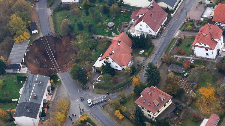 2010-11-01T152658Z_01_AD02_RTRMDNP_3_GERMANY.JPG7854339867408128523.jpg