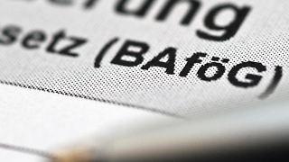 Wer BaföG möchte, muss erst mal jede Menge Papierkram erledigen. Foto:Andrea Warnecke