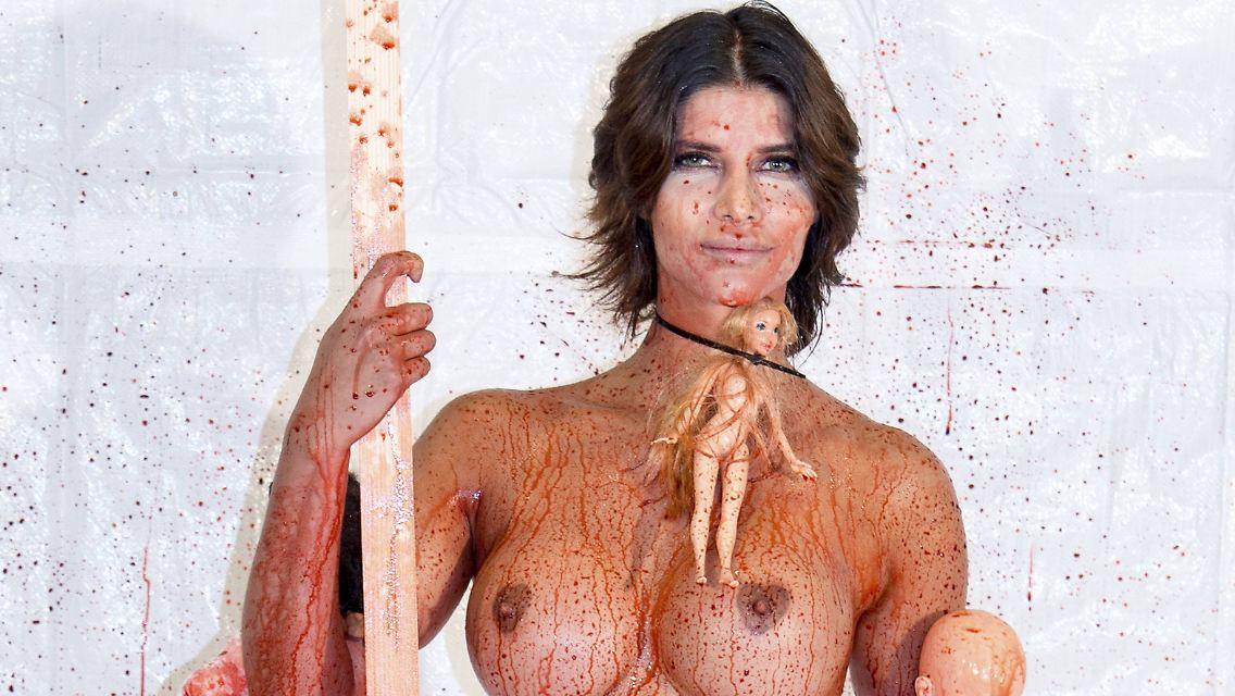 micaela schäfer strippt nackt