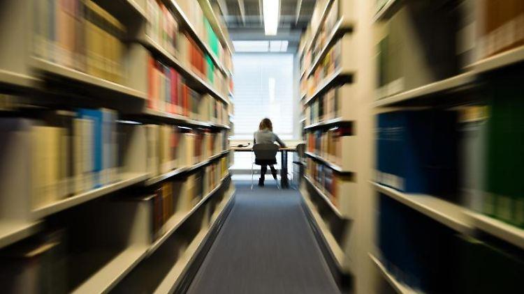 Im Saarland schaffen die meisten Studenten ihr Studium in der Regelstudienzeit. Foto: Nicolas Armer