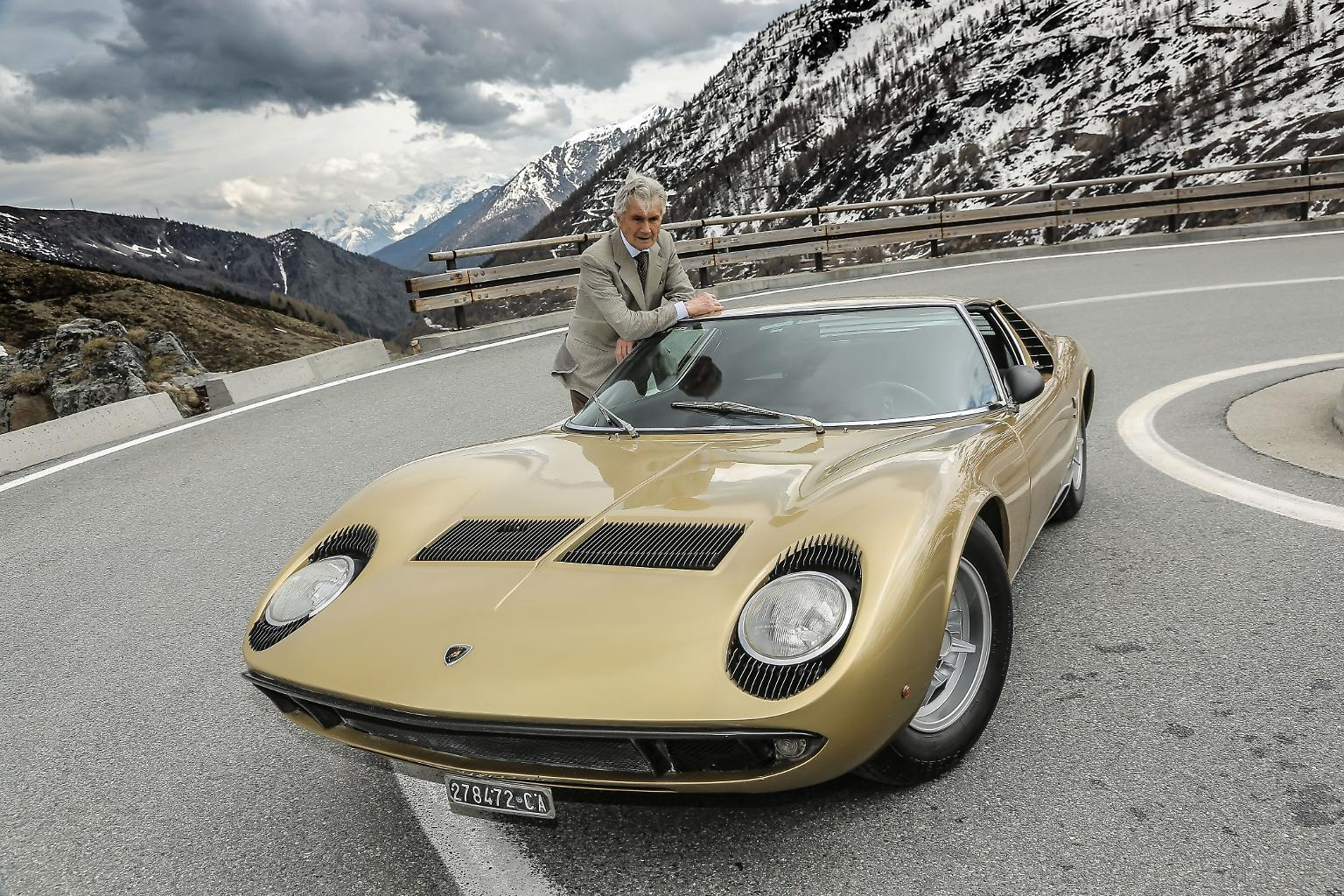 01_Lamborghini_Miura_Designer_Marcello_Gandini.jpg