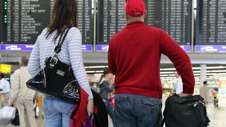 Wenn kein außergewöhnlicher Umstand vorliegt, muss für starke Verspätungen im Regelfall die Airline eine Ausgleichszahlung an Reisende zahlen. Foto: Boris Roessler