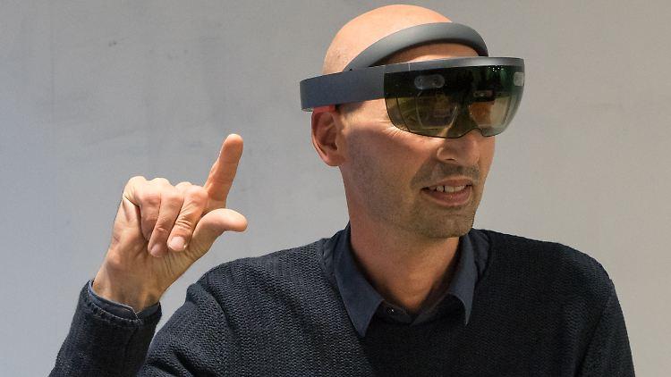 HoloLens 02.jpg