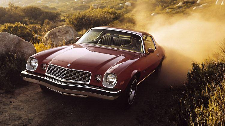 07_Chevrolet_Camaro_Generation_2_Sport-Coupe_1976.jpg