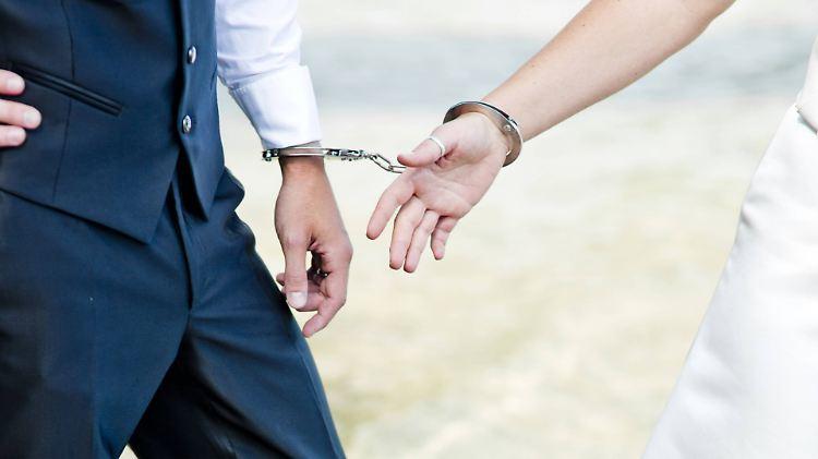 heiraten wenn ein partner schulden hat