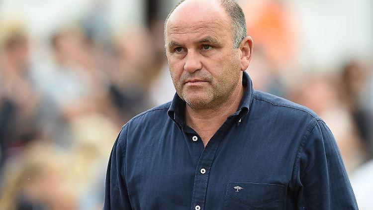 Ex-Fußballprofi Christian Hochstätter bleibt mit seinem Langzeitvertrag beim VfL Bochum.