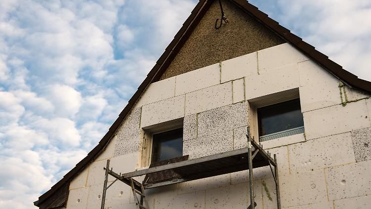 Gut bekannt Innen oder außen?: Die richtige Dämmung für das Haus finden - n-tv.de RD97