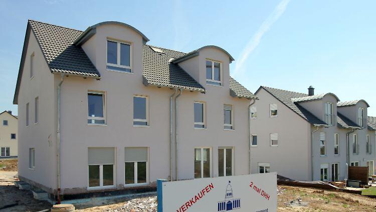 Nachbarn Mit Gemeinsamer Wand Warum Ein Doppelhaus Bauen N Tvde