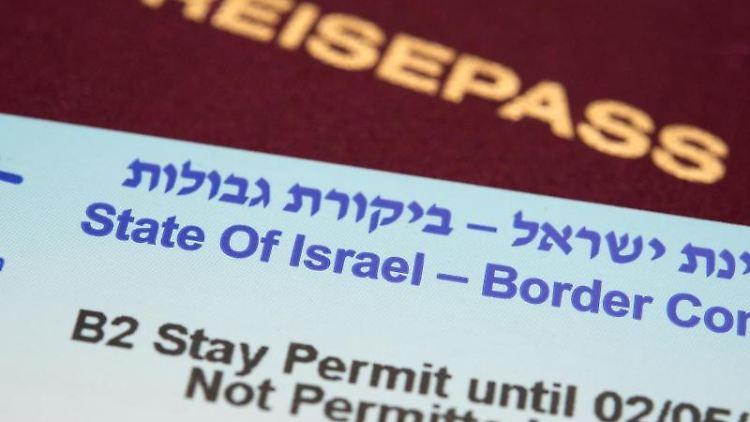 Boarder Control-Zettel und Reisepass