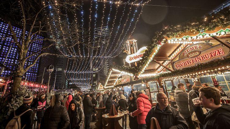 97f6d9190c903 Liveticker zu Anschlag auf Berliner Weihnachtsmarkt: +++ 23:48 ...