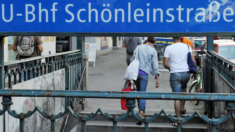 Der U-Bahnhof Schönleinstraße in Berlin-Kreuzberg wird mit Videokameras überwacht.
