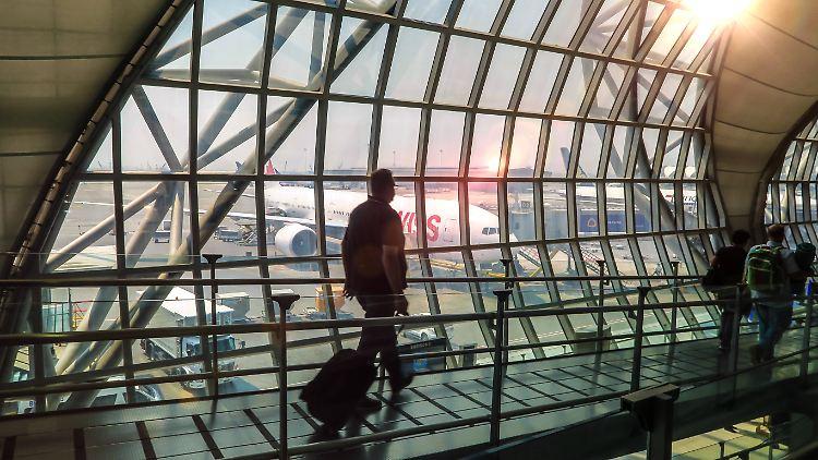 Rechnung Für Taxi Und Hotel Wer Zahlt Folgekosten Bei