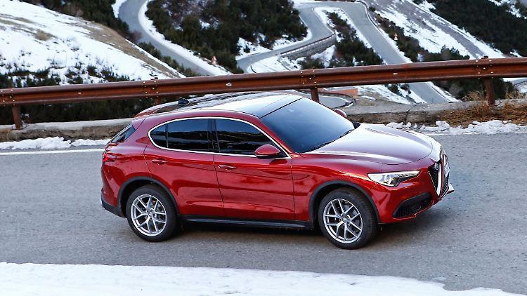 Alfa_Romeo_Stelvio_3.jpg