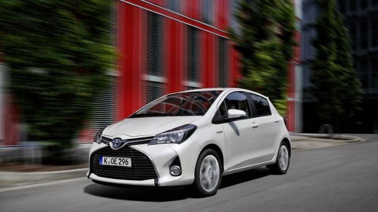 Toyota Yaris Hybrid.jpg