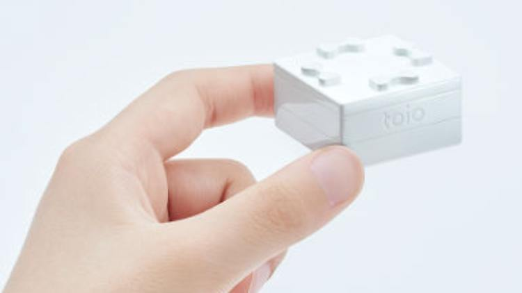 Toio Cube.jpg