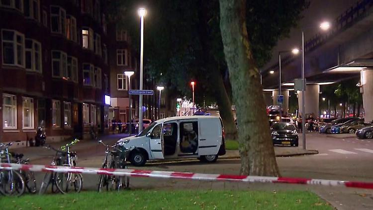 Terrorwarnung In Rotterdam Gasflaschen Gefunden Konzert Abgesagt