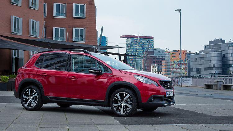 Peugeot_2008_1.jpg