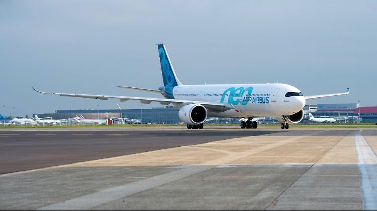 A330neo-MSN1795-taxiing-018.jpg