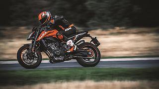 KTM 790 DUKE 2018_Action 01.jpg