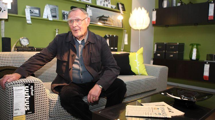 Ikea Gründer Kamprad Ist Tot Vom Sparfuchs Zum Möbel Milliardär N