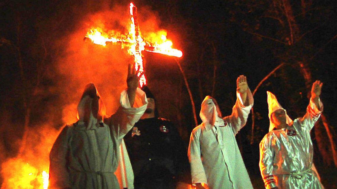 Anhänger Des Ku Klux Klans Großrazzia Bei Gewaltbereitem