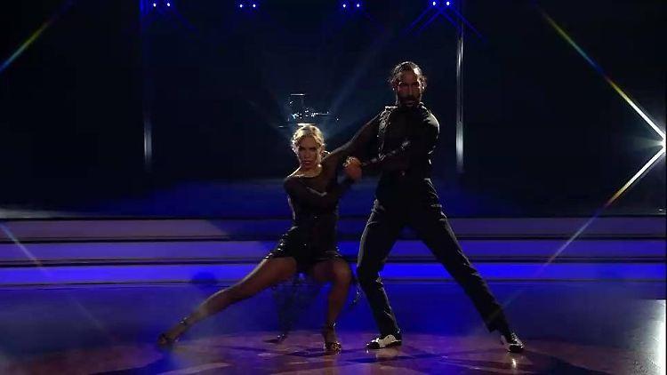 TB_Julia und Massimo  tanzen den mit Anstand besten Tanz.jpg
