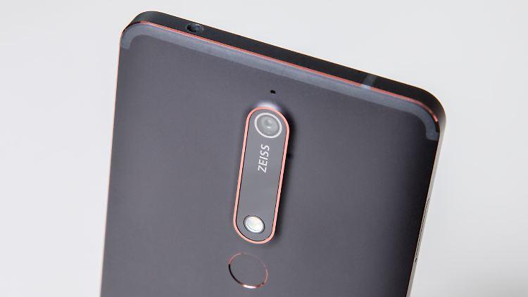 Nokia-6-1_1.jpg