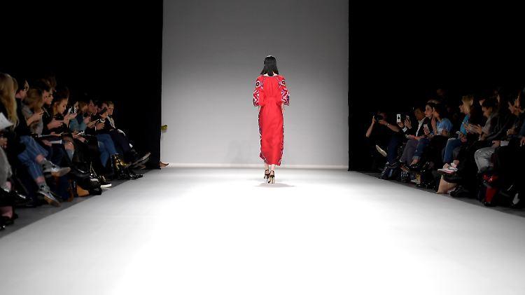 Fair Trade Statt Wegwerf Mode Eine Industrie Entdeckt Ihr Gewissen