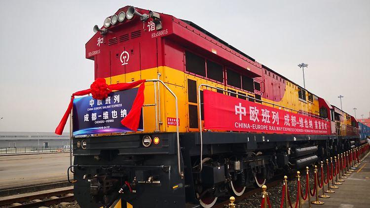 20180412_OeBB_1.Chinazug-faehrt-nach-Wien-C-Nina-Gou_Xuang-Feng.jpg